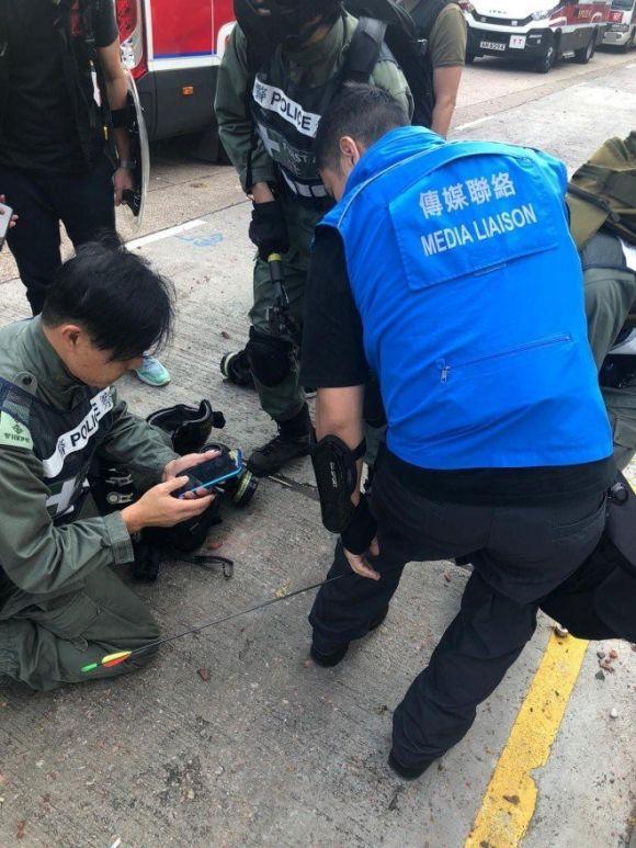 Đụng độ dữ dội ở Hong Kong - ảnh 1