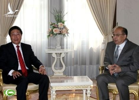Thai Foreign Minister Surapong Tovichakchaikul and Vietnam Foreign Minister Pham Binh Minh