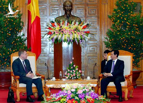 PM Nguyen Tan Dung welcomes President of Asian Development Bank Stephen Groff, Ha Noi, February 9, 2012