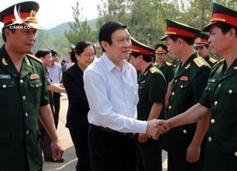 President Truong Tan Sang meets with military command in Dien Bien province