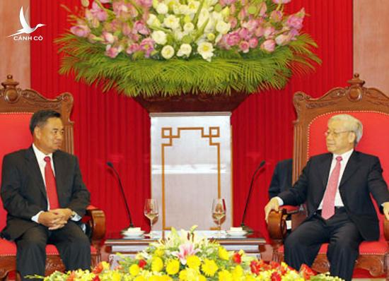 Party General Secretary Nguyen Phu Trong receives Secretary of the Lao People's Revolutionary Party Central Committee Chansy Phosikham