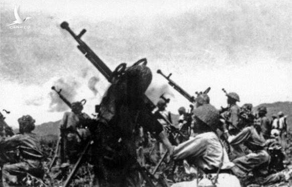 Dien Bien Phu battle, 1954 : battle position of antiaircraft 12, 7mm of Battalion 387, division 308, in readiness for firing