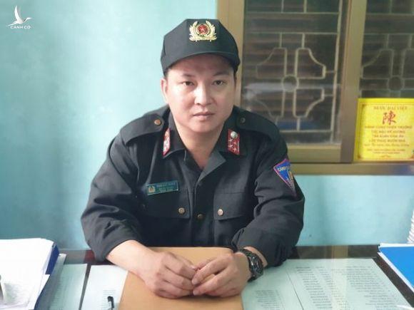 Chiến sĩ CSCĐ kể lại thời điểm cứu cháu bé bị co giật trên sân Thiên Trường - 1