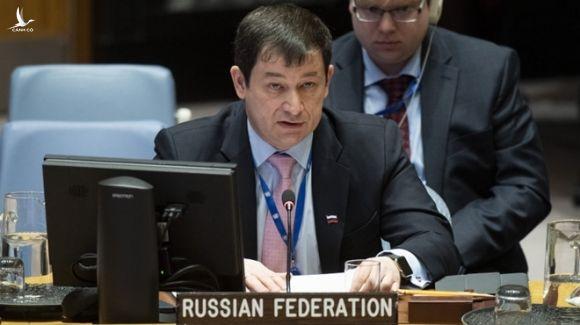 Phó đại sứ Nga tại LHQ Dmitry Polyanskiy trong phiên họp tại Hội đồng bảo an /// Reuters
