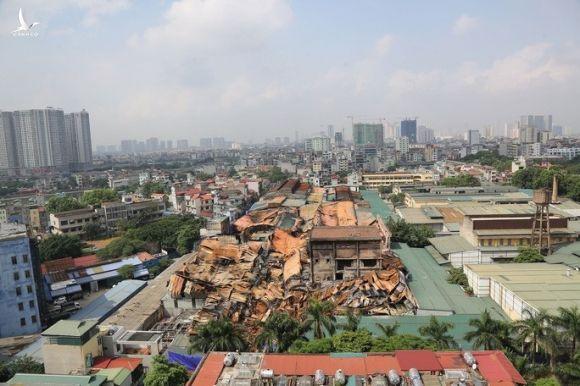 Thông tin bất ngờ về thu hồi văn bản và kiểm điểm lãnh đạo phường Hạ Đình sau vụ cháy Công ty Rạng Đông - Ảnh 2.