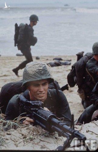 Anh cuc doc linh My dau tien toi Viet Nam tham chien (1)-Hinh-11