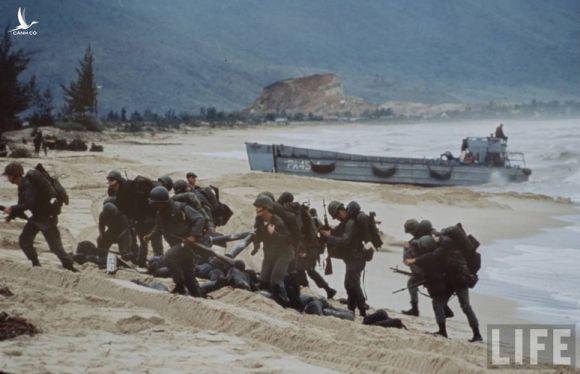 Anh cuc doc linh My dau tien toi Viet Nam tham chien (1)-Hinh-12