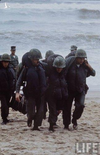 Anh cuc doc linh My dau tien toi Viet Nam tham chien (1)-Hinh-9