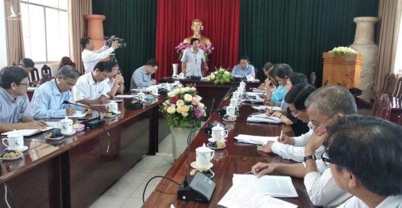 Vĩnh Long họp khẩn vụ đầu tư gần 200 tỉ lắp 114 camera - Ảnh 1.