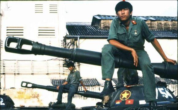 Nhung o phuc kich giua dem va loai min man ro nham vao bo doi Viet Nam cua Khmer Do hinh anh 7