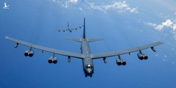 Hai chiếc B-52 trong một lần diễn tập ở Thái Bình Dương