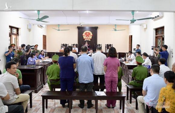 Hà Giang mở lại phiên xét xử vụ tiêu cực điểm thi