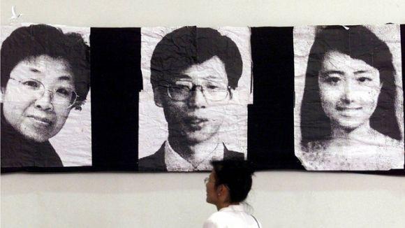 Sai lầm nhuốm máu của Mỹ trong vụ ném bom ĐSQ Trung Quốc: Nước mắt vẫn rơi sau 2 thập kỉ - Ảnh 4.