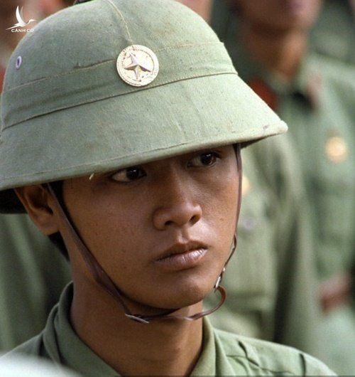Nhung o phuc kich giua dem va loai min man ro nham vao bo doi Viet Nam cua Khmer Do hinh anh 1