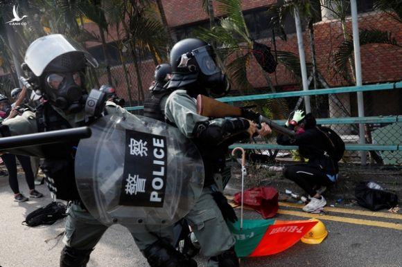 Trung Quoc: My hay rut du luat Hong Kong hoac tu lanh hau qua