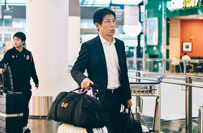HLV Nishino và các học trò đã lên đường bay sang VN