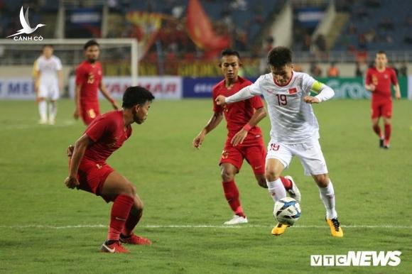 Vuot 'Messi Thai Lan', Quang Hai gianh giai Cau thu hay nhat Dong Nam A hinh anh 2