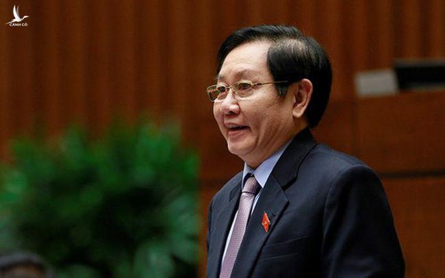 Bộ trưởng Bộ Nội vụ - ông Lê Vĩnh Tân tham gia trả lời chất vấn trước Quốc hội