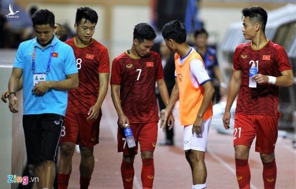 Cau thu U22 Lao gap Trieu Viet Hung de xin loi hinh anh 2