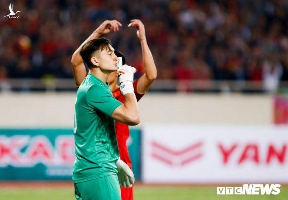 Dang Van Lam: Tuyen Viet Nam co gang tung tran, viet tiep giac mo World Cup hinh anh 1