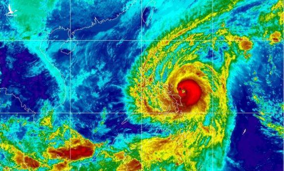 Bão rất mạnh quét qua Philippines 6 giờ vào ngày U22 Việt Nam đá với U22 Singapore - Ảnh 1.