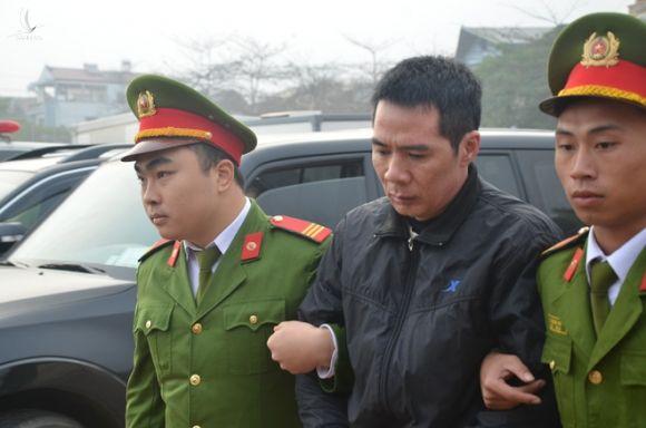 """Hồ sơ điều tra - Xét xử vụ nữ sinh giao gà: Bùi Thị Kim Thu bất ngờ phản cung, nói từng nhận tội do """"thần kinh không bình thường"""""""