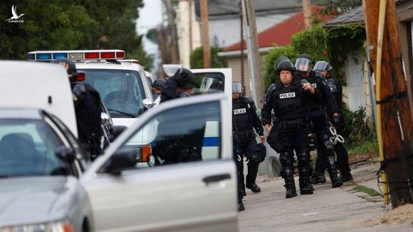 Xả súng kinh hoàng ở Mỹ, 7 người chết