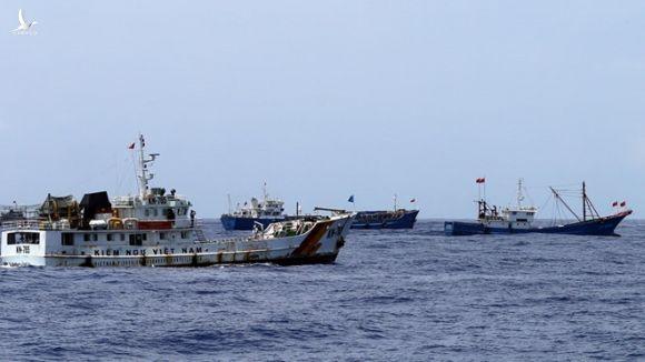 Tàu cá Trung Quốc thường xuyên xâm phạm chủ quyền Việt Nam trên Biển Đông /// Độc Lập