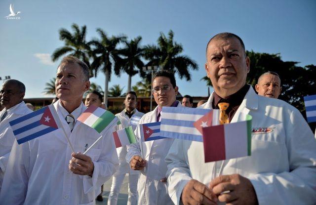 Cuba cử nhóm bác sĩ thứ hai giúp Italia chống dịch - 1