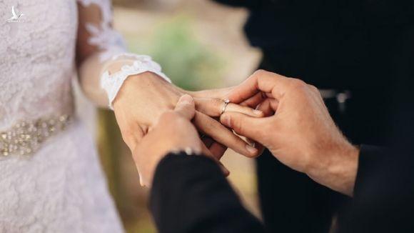 Ket hon som la cach hay de giai quyet van de tai chinh hinh anh 1 200417_Marriage_iStock_940560260.jpg