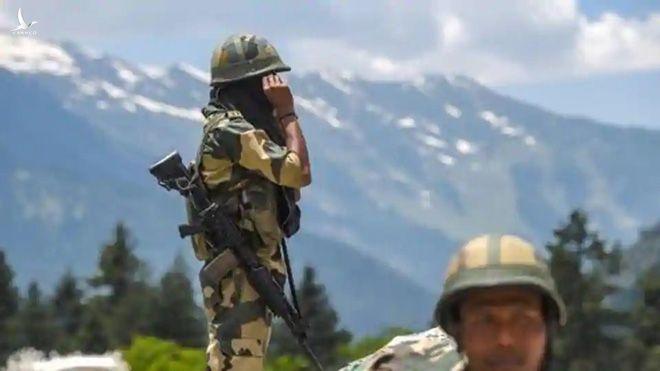 Tình báo Mỹ: Tướng Trung Quốc đã ra lệnh tấn công biên giới để dạy cho Ấn Độ một bài học - Ảnh 1.