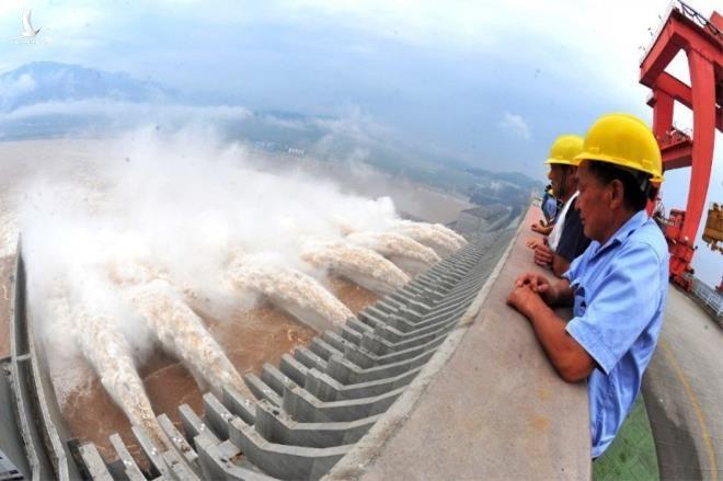 Chuyên gia: Vỡ đập Tam Hiệp sẽ gây sóng thần cực lớn, kinh tế Trung Quốc suy sụp - 1