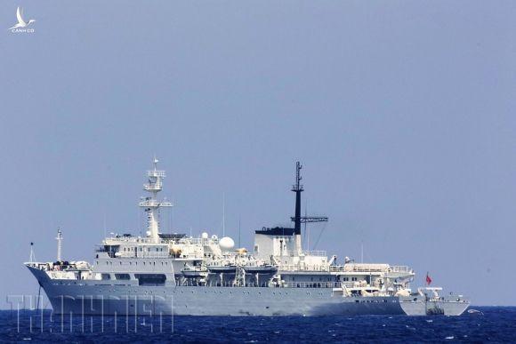 Bảo vệ chủ quyền trên biển: Bão gió cũng phải làm nhiệm vụ xua đuổi - ảnh 3