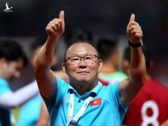 Văn Hậu về nhà và nỗi buồn bóng đá Việt - ảnh 2