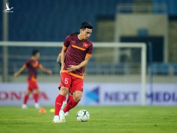 Văn Hậu về nhà và nỗi buồn bóng đá Việt - ảnh 3