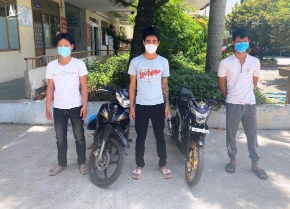 Phạt nhóm thanh niên chạy xe bốc đầu trong dịch COVID-19 - ảnh 2