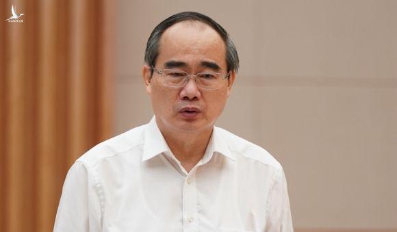 Bí thư Thành uỷ TP HCM phát biểu tại cuộc làm việc. Ảnh: Quang HIếu