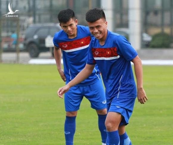 Cầu thủ trẻ bỏ bóng đá, đi chạy xe ôm, mong CLB Hà Nội thanh lý hợp đồng - 2