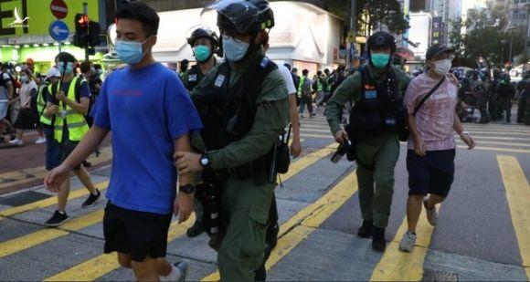 90 người bị bắt trong biểu tình tại Hong Kong - 1