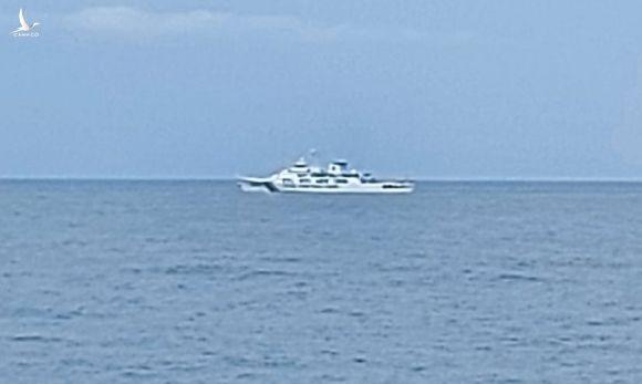 Tàu hải cảnh 5204 ở vùng biển phía bắc Indonesia hôm 12/9. Ảnh: IMSA.
