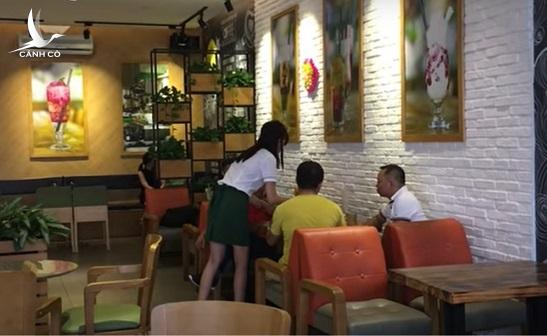 Những chủ tịch chém gió kiếm triệu đô, đi uống cafe phải ký sổ - Ảnh 1.