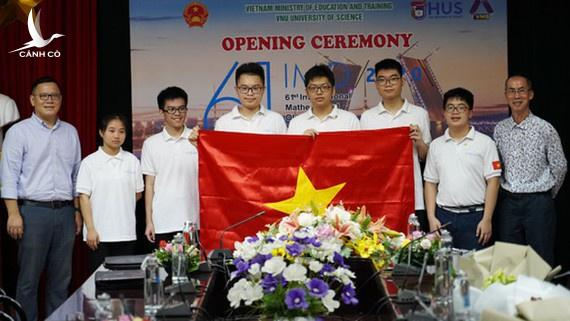 HCV Olympic Toan quoc te anh 1