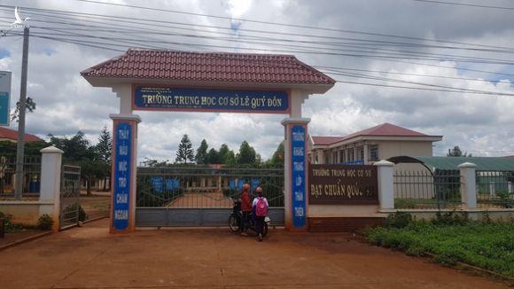 Thu tiền trực đánh trống và vệ sinh mỗi học sinh 150.000 đồng - Ảnh 1.