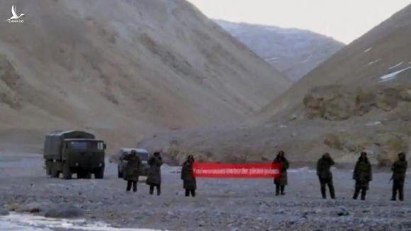 Xung đột biên giới: Trung Quốc vác loa 'đánh đòn tâm lý' với binh sĩ Ấn Độ - 1