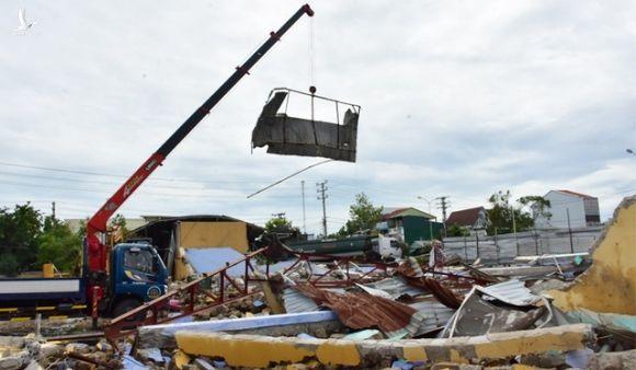 Vì sao hàng trăm cột điện tại Thừa Thiên Huế gãy đổ trong bão số 5? - 7