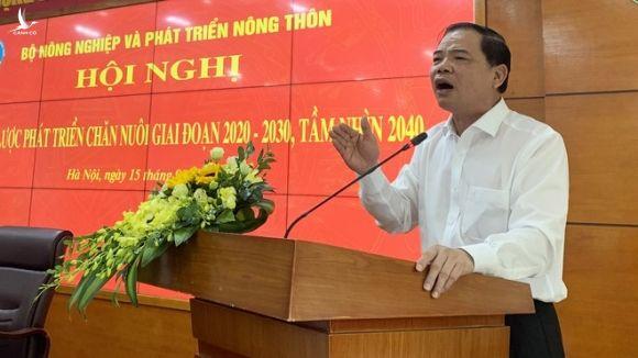 Bộ trưởng Nguyễn Xuân Cường cho rằng, nghành chăn nuôi phát triển nhưng không bền vững khi rổ thực phẩm có đến 70% là thịt lợn /// Ảnh Phan Hậu