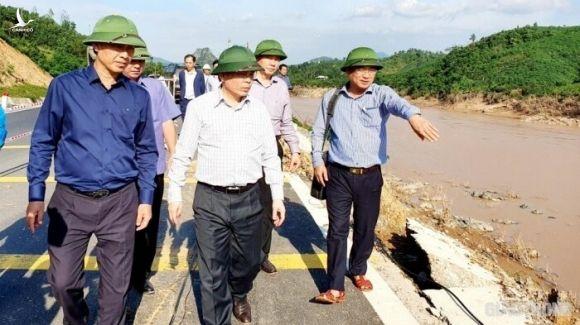 Bộ trưởng Nguyễn Văn Thể kêu gọi chung tay khắc phục hậu quả do mưa lũ 1