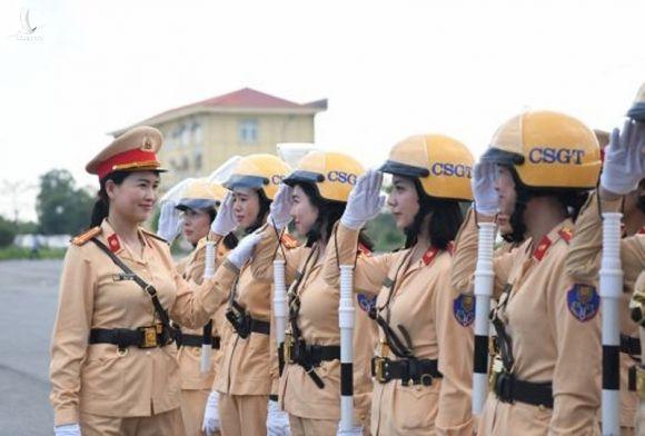 25 'bóng hồng' của Cục CSGT dẫn đoàn Đại hội - ảnh 1