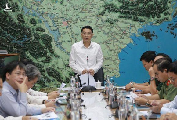 Các địa phương rốn lũ miền Trung cần hỗ trợ khẩn cấp 6.500 tấn gạo - Ảnh 1.