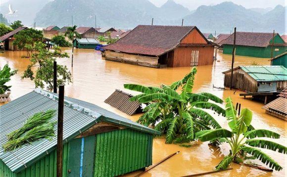 Các địa phương rốn lũ miền Trung cần hỗ trợ khẩn cấp 6.500 tấn gạo